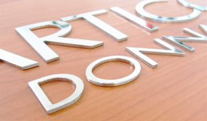 Lettere tagliate in acciaio inox lucido 3mm