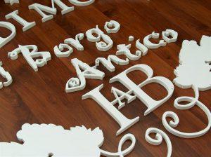Lettere scatolate tagliate in pvc bianco da 10mm