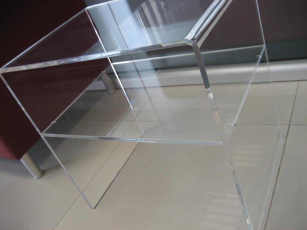 Tavoli in plexiglass trasparente e colorato italy insegne - Tavolini plexiglass ...