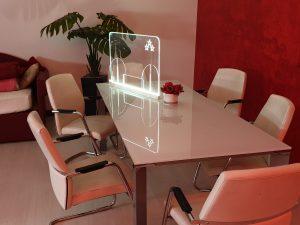 Parafiato in plexiglass trasparente illuminato a led